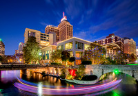 Drury Hotel & The Riverwalk [night] 4